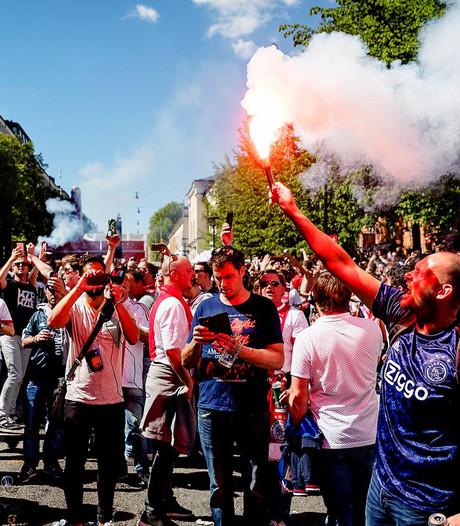 LIVE: Ajax-fans vieren al feest in Stockholm