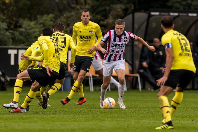 Willem II-speler Robin Lauwers tijdens de wedstrijd Willem II - AZ.
