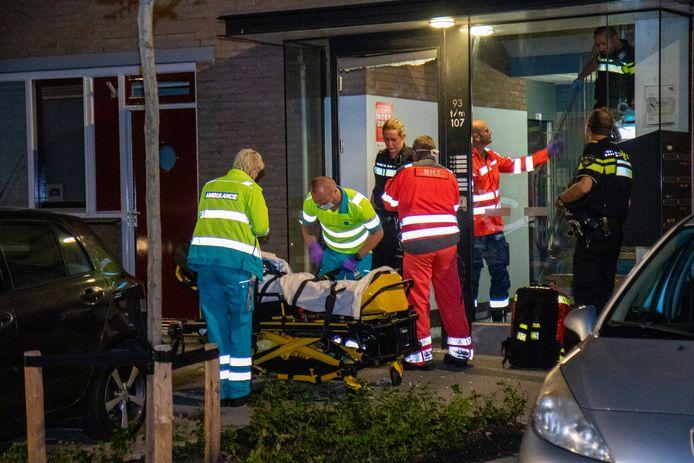 Een Arnhemmer is zwaargewond geraakt bij een steekpartij in een woning aan de Port-Saidstraat in Rotterdam. Ook de verdachte komt uit Arnhem.