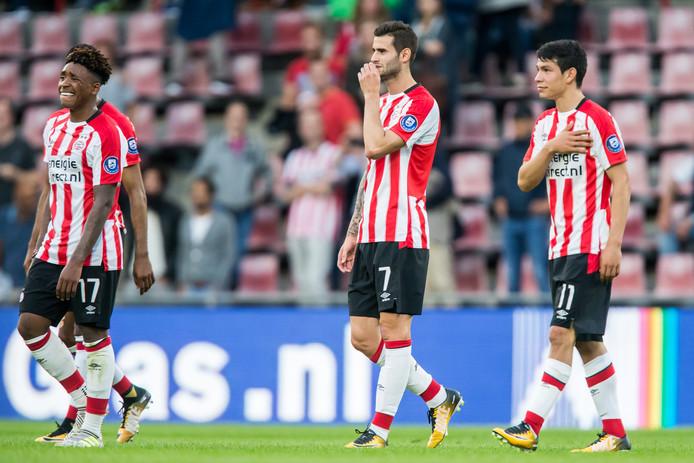 Steven Bergwijn,  Gastón Pereiro en Hirving Lozano na het thuisverlies tegen Osijek (0-1)