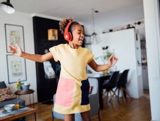 De leukste podcasts en muzieklijsten om je kinderen en tieners te entertainen tijdens de kerstvakantie