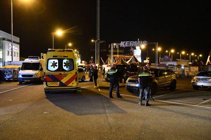 Twee slachtoffers van de steekpartij zijn naar het ziekenhuis gebracht.