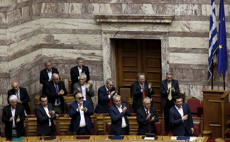 De meerderheid van de Griekse parlementariërs staat achter Tsipras.