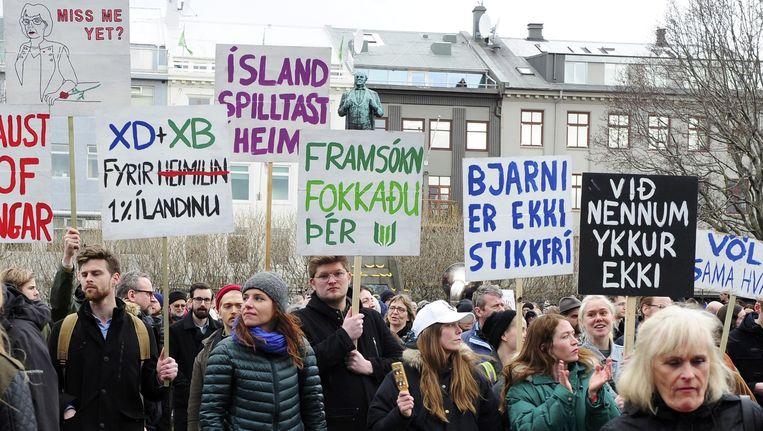 Protest in Reykjavik. Beeld reuters