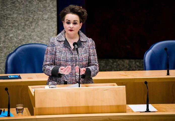 Staatssecretaris Alexandra van Huffelen van Financiën tijdens een eerder debat over het stopzetten van de kinderopvangtoeslag.
