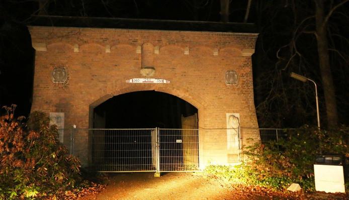 Hekken bij de poort van Landgoed Haarendael.