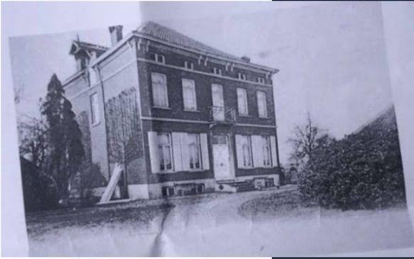 Een foto van 't Hof tijdens het begin van de twintigste eeuw.