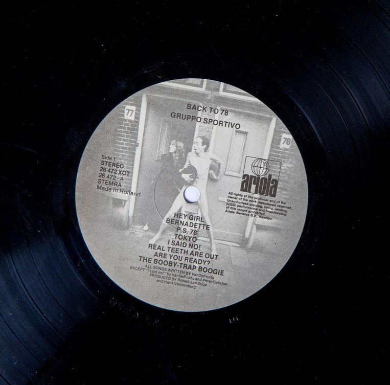 Het label van Back to 78 met de foto van Anton Corbijn. Beeld