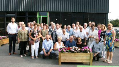 60-jarigen vieren samen verjaardag