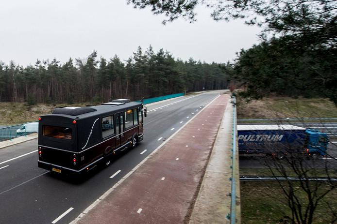 Het viaduct aan de Hoog Buurloseweg over de A1.