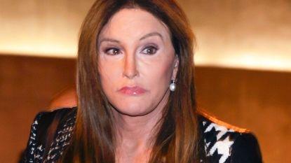"""Caitlyn Jenner slachtoffer van transfobie in Britse 'Expeditie Robinson': """"Je hoeft haar niet aardig te vinden, maar je mag haar écht niet meer Bruce noemen"""""""