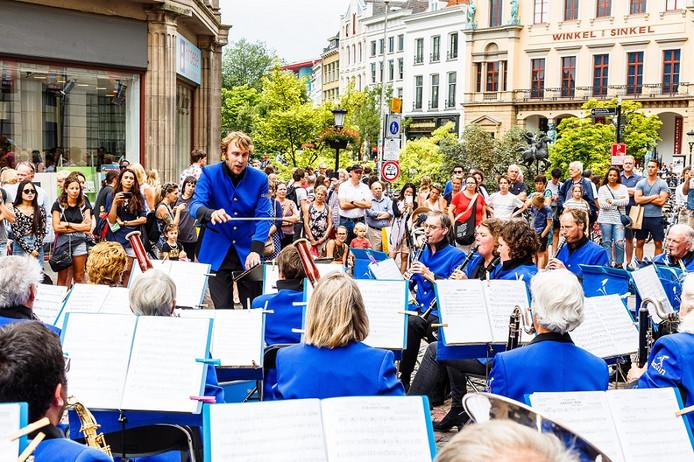 Utrecht Blaast Buiten festivalorkest.