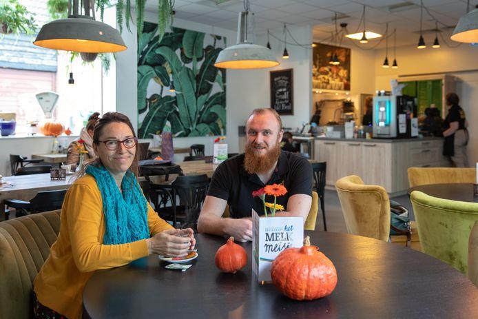 Miranda Dieleman en Jarno de Decker zijn erg tevreden over het eerste jaar van 'Het Melkmeisje'.