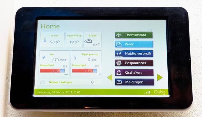 Het display van een slimme thermostaat.