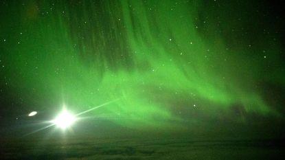 Eerste commerciële vlucht naar het zuiderlicht levert spectaculaire zichten op