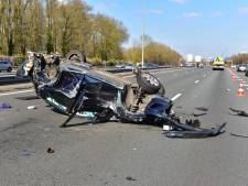 Grote ravage op A27: drie auto's botsen