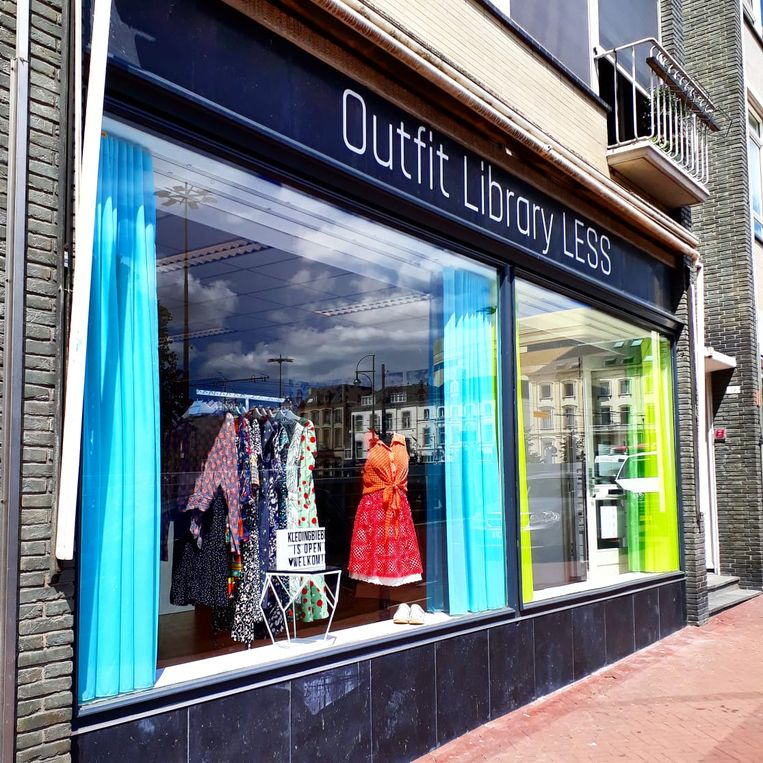 Outfit Library LESS in Arnhem Beeld null