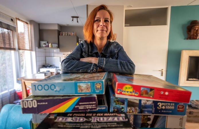 Met haar legpuzzelactie voor senioren levert Jessica de Jong een positieve bijdrage in een rampzalige tijd.
