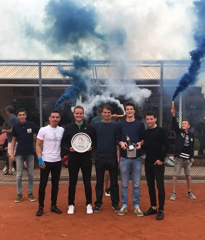 De tennissers van Animo werden dit seizoen districtskampioen.