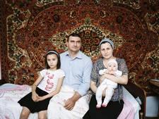 Foto's van fotograaf die Rusland niet meer in mag hangen nu in Enschede