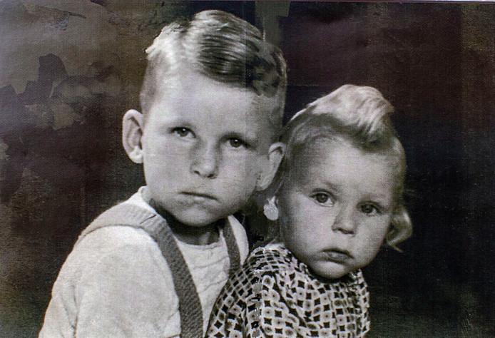 Winston met zijn zus Catharina.