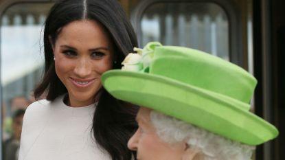 Meghan voor het eerst op stap zonder Harry (maar wel mét de Queen)