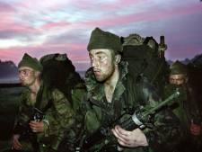 Oud-commando's marcheren over deel route krijgsgevangenen in de oorlog