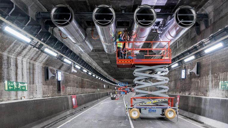 De IJtunnel krijgt nieuwe ventilatoren Beeld Alphons Nieuwenhuis
