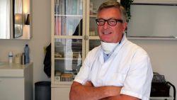 """Arts Yves Deltour (62) overleeft Covid-19 maar net, drie maanden later hervat hij zijn werk: """"Heel blij dat ik mijn patiënten weer kan helpen"""""""