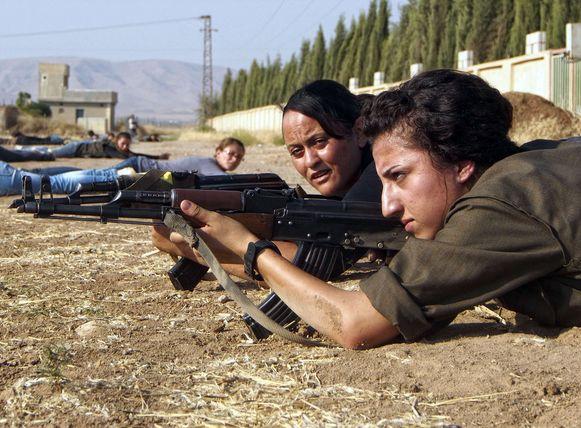 De verbetenheid van de Syrisch-Koerdische strijdsters van YPJ kreeg media-aandacht, maar hun ideologie blijft opvallend buiten de schijnwerpers.