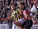 'DJ Superstar' Curovic moet winnend Vitesse de beker uitreiken