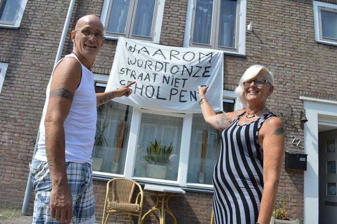 Ed en Angele Everaardt zijn de problemen in de Vlierstraat beu.
