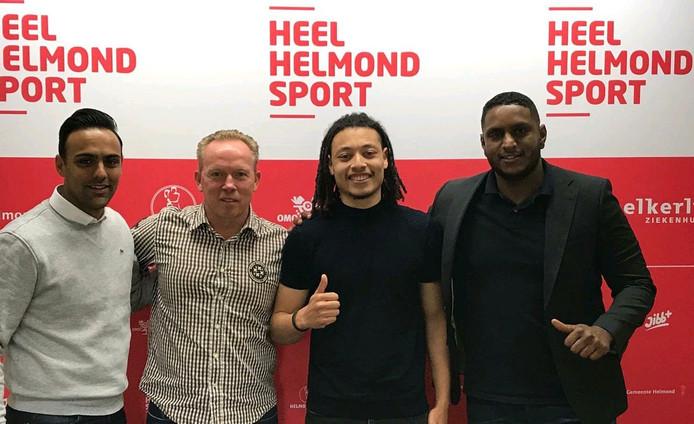 Jeffrey Neral, rechts van de nieuwe trainer van Helmond Sport, Wil Boessen.