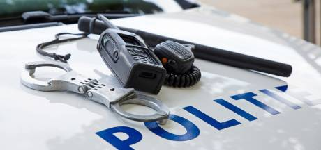 Mannen na achtervolging aangehouden in Asten met gestolen spullen: bijrijder rent weg maar laat portemonnee achter
