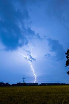 KNMI geeft code geel af voor hagel- en onweersbuien in Overijssel