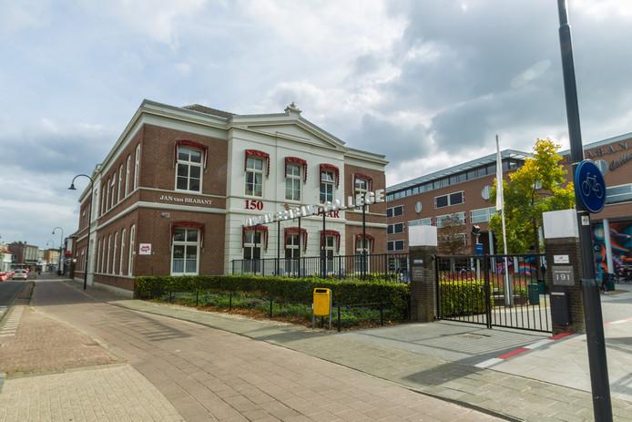 Het Jan van Brabant College aan de Molenstraat.