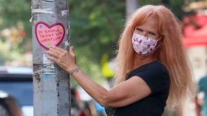 Mysterieuze hartjes veroveren straten van New York: deze vrouw zit erachter
