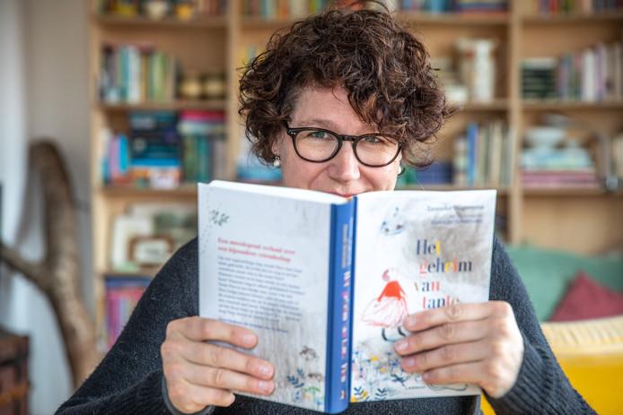 Schrijfster Tanneke Wigersma schreef jeugdboeken over zware thema's als incest en zelfmoord en kiest nu voor een vrolijker thema.