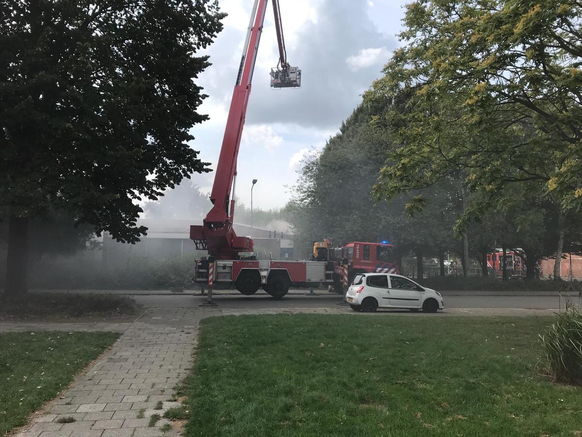 Grote brand bij leegstaande basisschool in Terneuzen.