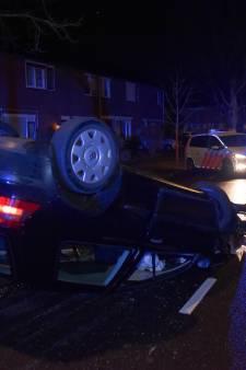 Twee jonge vrouwen gingen met de auto over de kop in Nijmegen