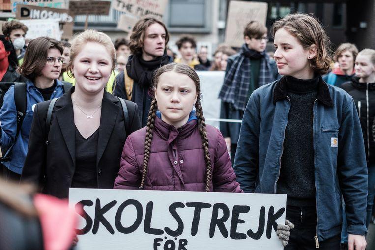 Met de Zweedse inspiratiebron Greta Thunberg en Anuna De Wever in Antwerpen. Beeld Bob Van Mol