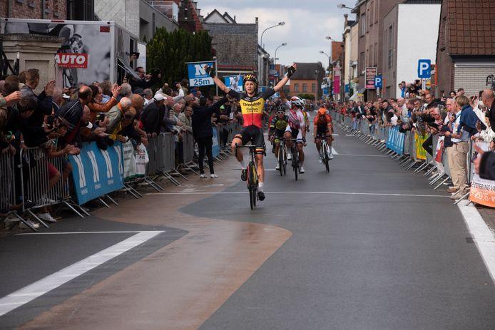 Tim Merlier wint Heusden Koers.