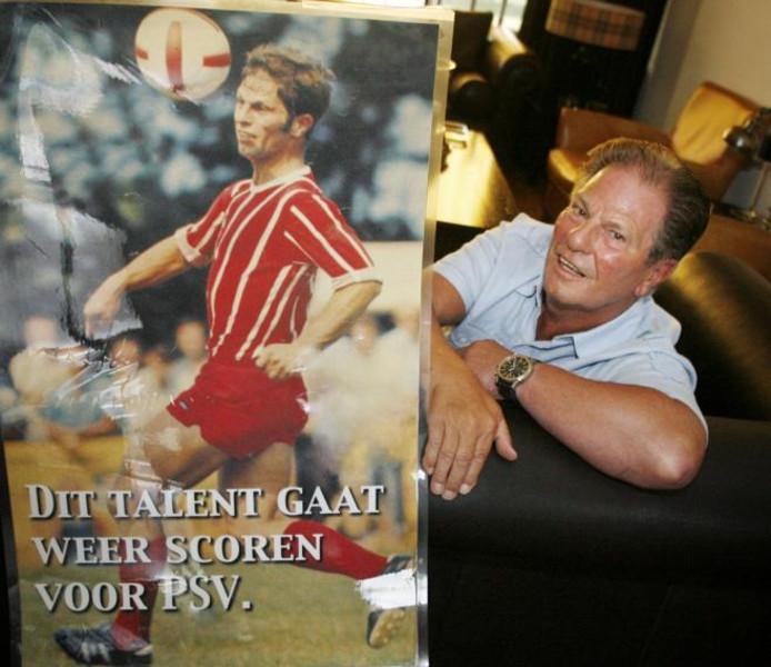 Ismail Aissati ;Ibrahim Afellay ;Gerrit van Tilburg neemt na 25 jaar afscheid als scout van PSV. foto Irene Wouters ;Peter Hoekstra