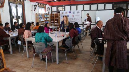 """VUB helpt collega's in Bhutan met studiebegeleiding: """"Kunnen nog wat leren van de boeddhistische houding"""""""