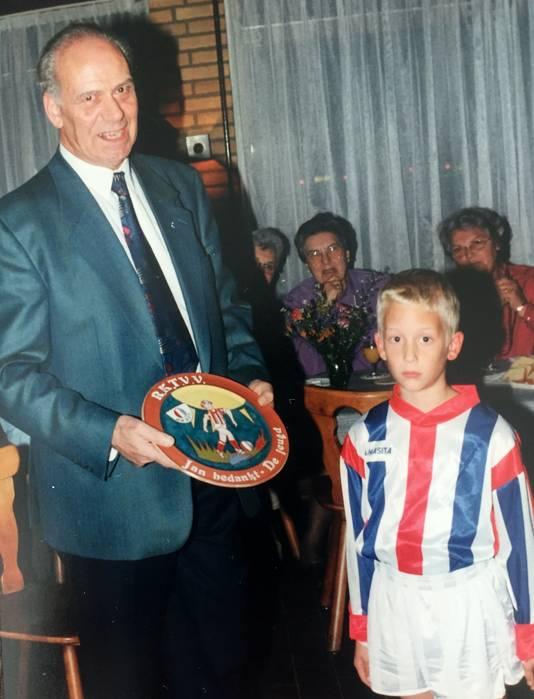 Jan Ketelaars zette zich jarenlang in voor de jeugd van RKTVV.