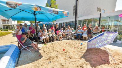 Triamant legt strand aan met twee ton zand