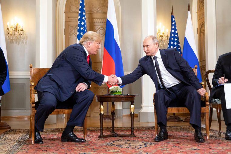Archiefbeeld ontmoeting Trump en Poetin in 2018.