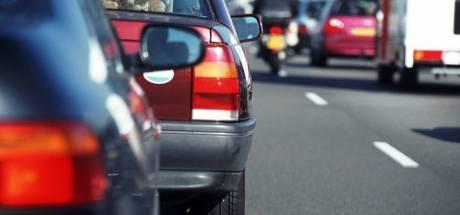 Uur vertraging op A16 van Breda naar Rotterdam door ongeval