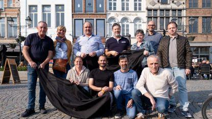 Horecazaken Grote Markt hangen zwarte vlaggen uit – Horeca Mechelen waarschuwt voor 'politiek spel'