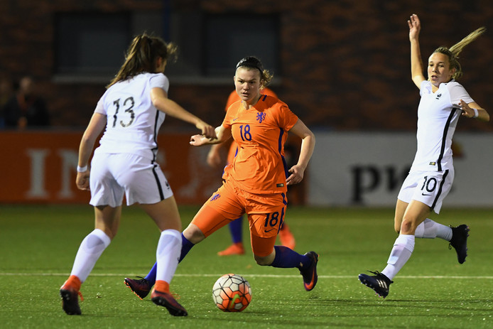 Rebecca Doejaaren was basisspeelster in het eerste EK-duel van Oranje O19.
